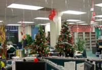 Trang trí nội thất văn phòng mùa giáng sinh.