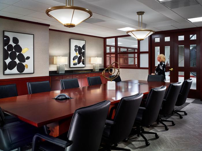 thiết kế nội thất văn phòng luật 5