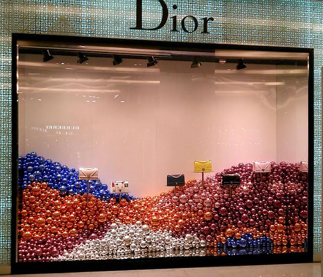thiet ke cua hang Dior