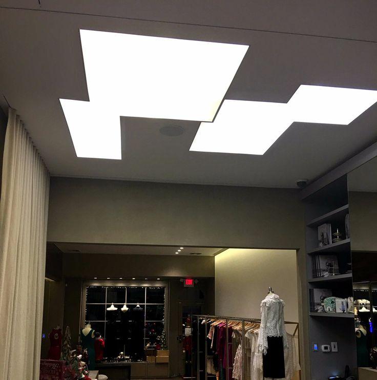 trần xuyên sáng cửa hàng